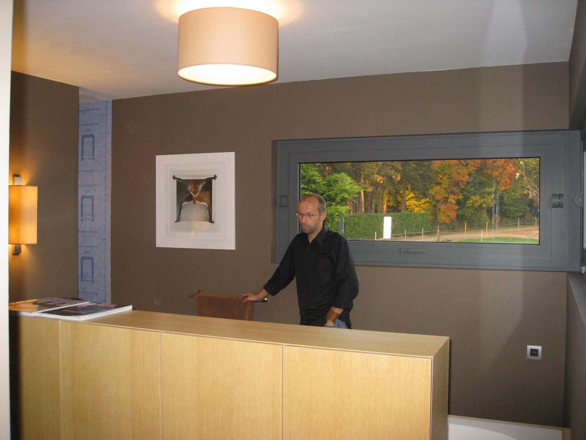 Hedendaags low energy huis xavier vanderlinden architect for Salle de bain xavier laurent